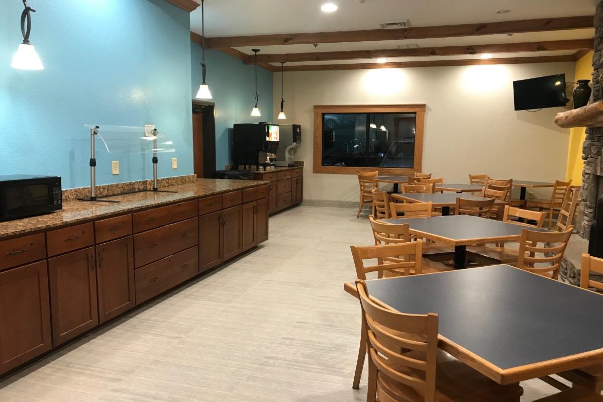 Brookstone Lodge Asheville - Breakfast Area-2