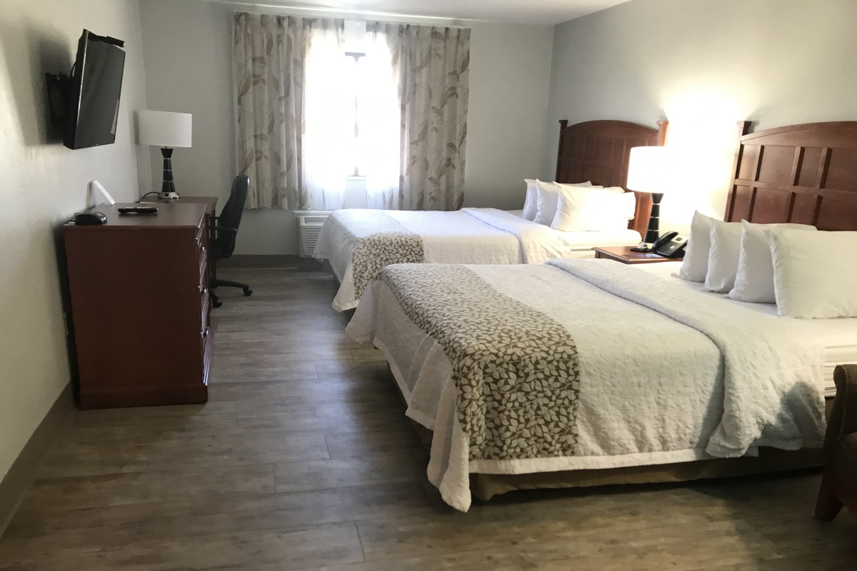 Brookstone Lodge Asheville - Double Beds Room-1
