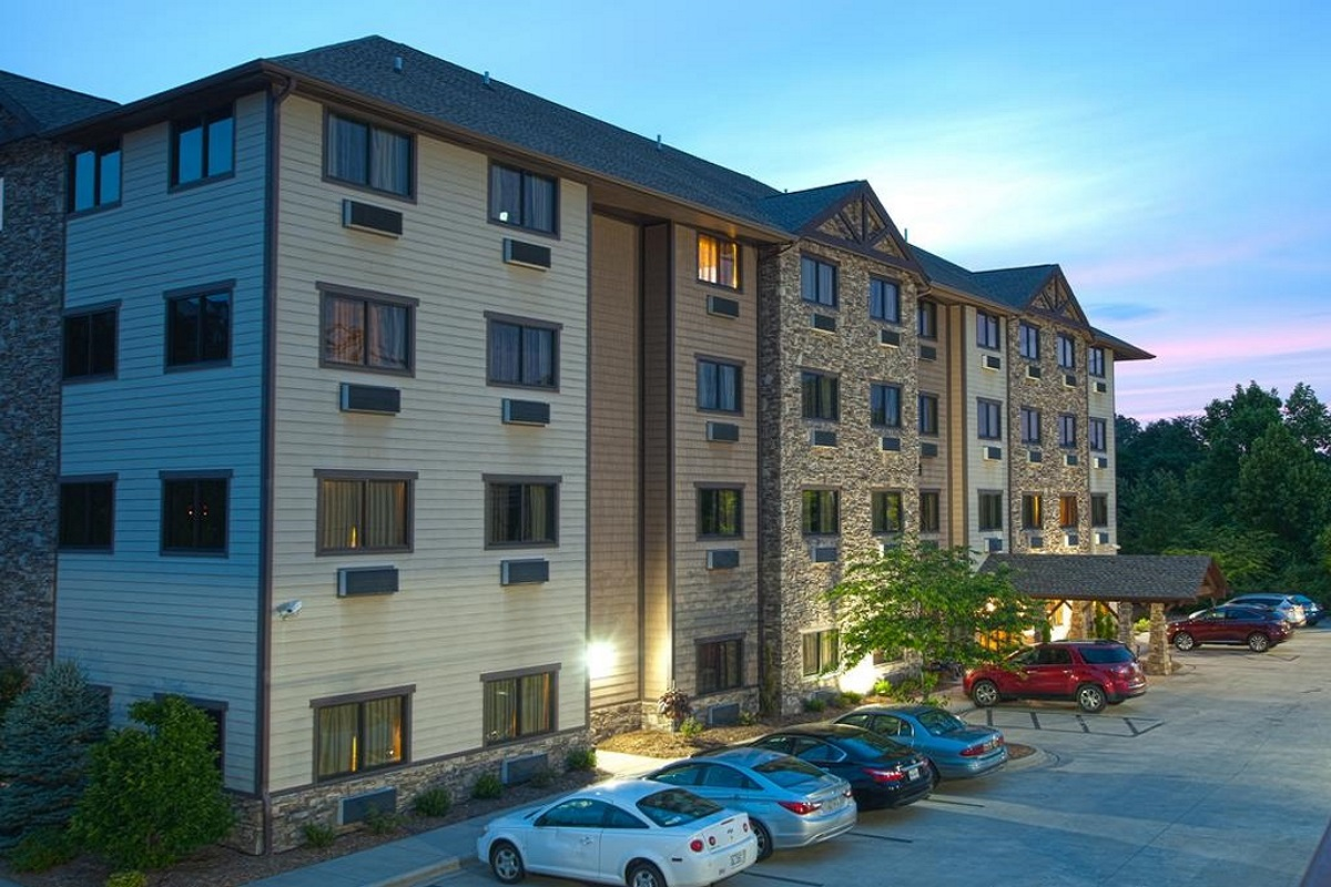 Brookstone Lodge Asheville - Hotel Exterior-3