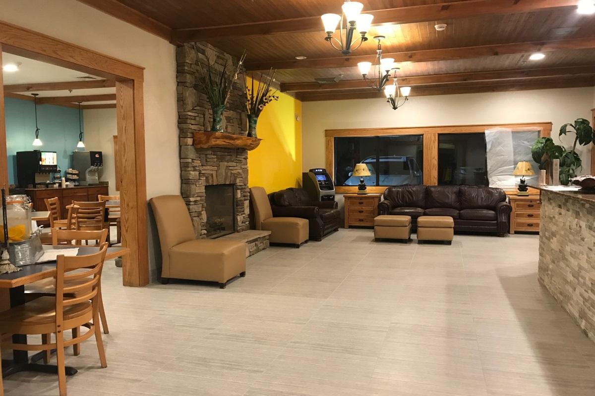 Brookstone Lodge Asheville - Lobby Area-2