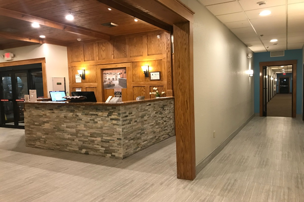 Brookstone Lodge Asheville - Lobby Area-3