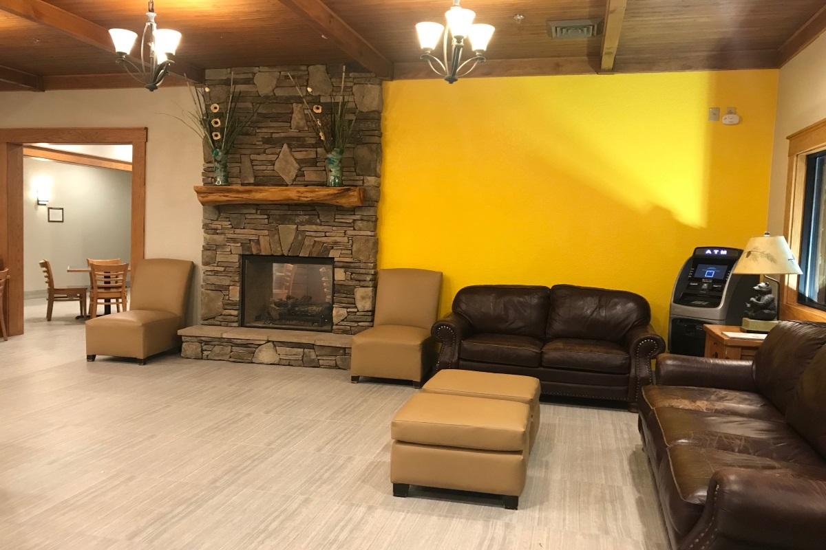 Brookstone Lodge Asheville - Lobby Area-4