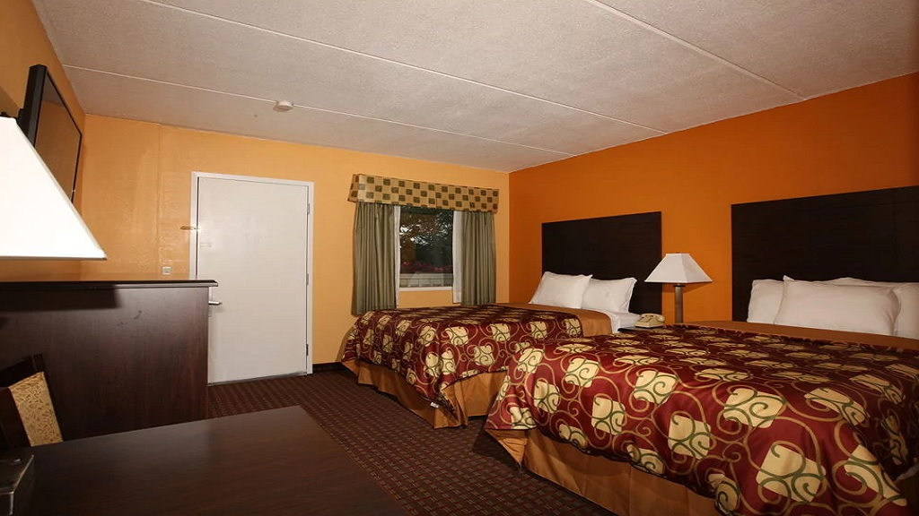 Budgetel Inn South Glens Falls - Double Beds-1