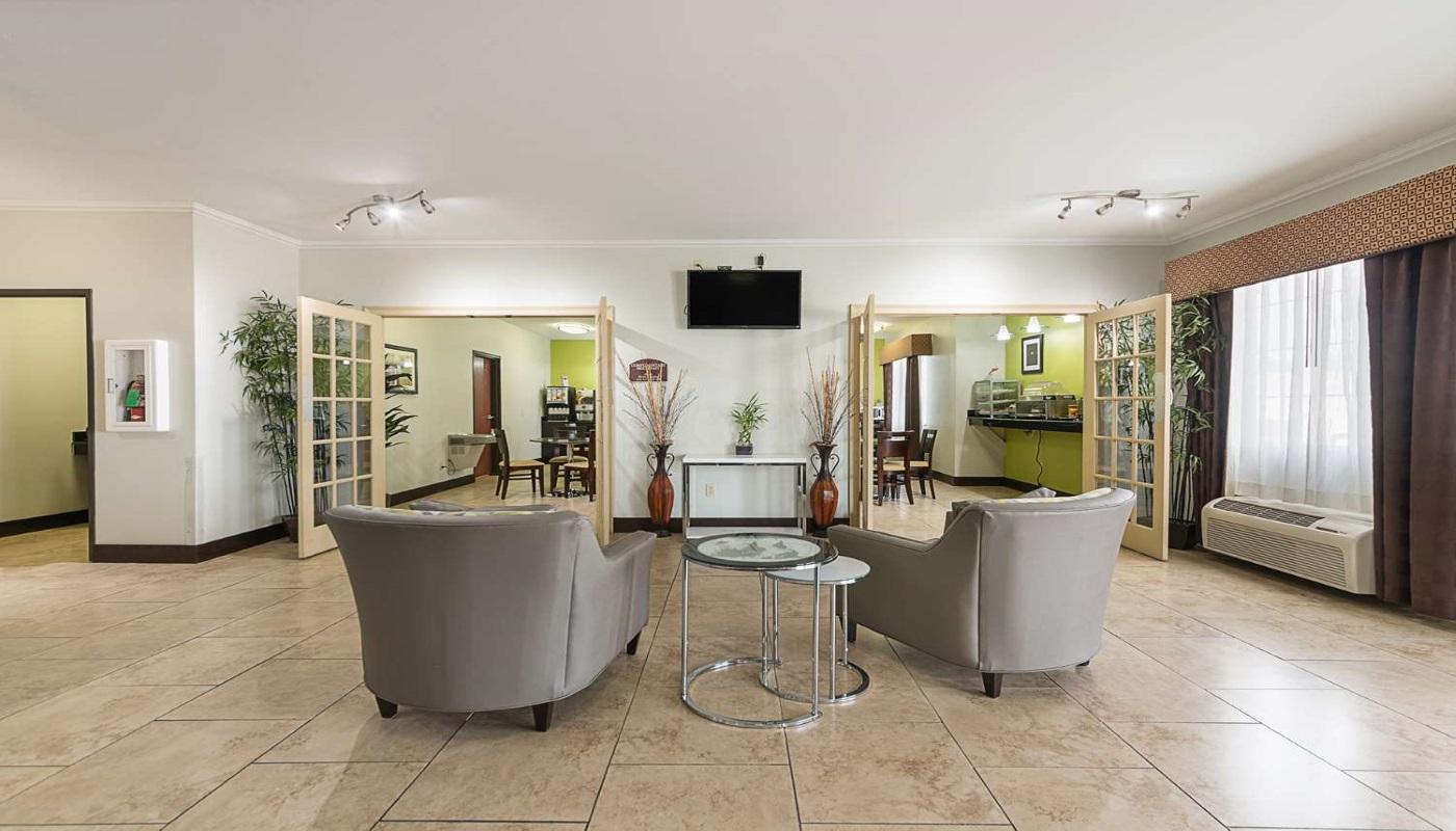 Best Western Plus DeRidder Inn & Suites - Lobby-2