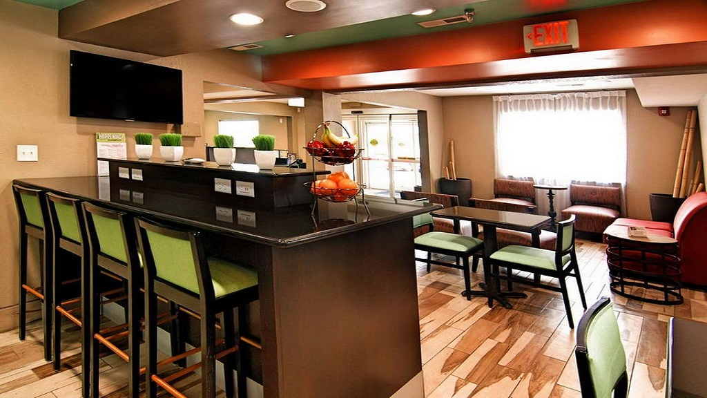 Best Western Plus Elizabeth City - Dining Area1
