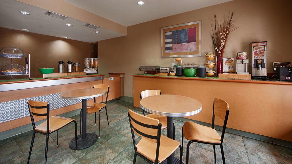 Cajon Pass Inn - Breakfast Area-2