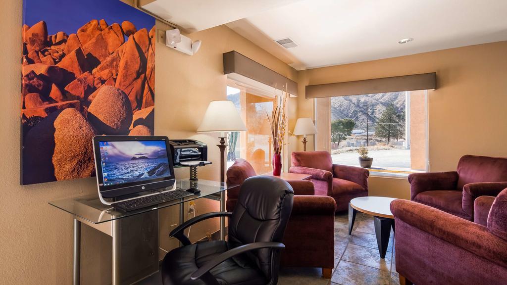 Cajon Pass Inn - Business Center