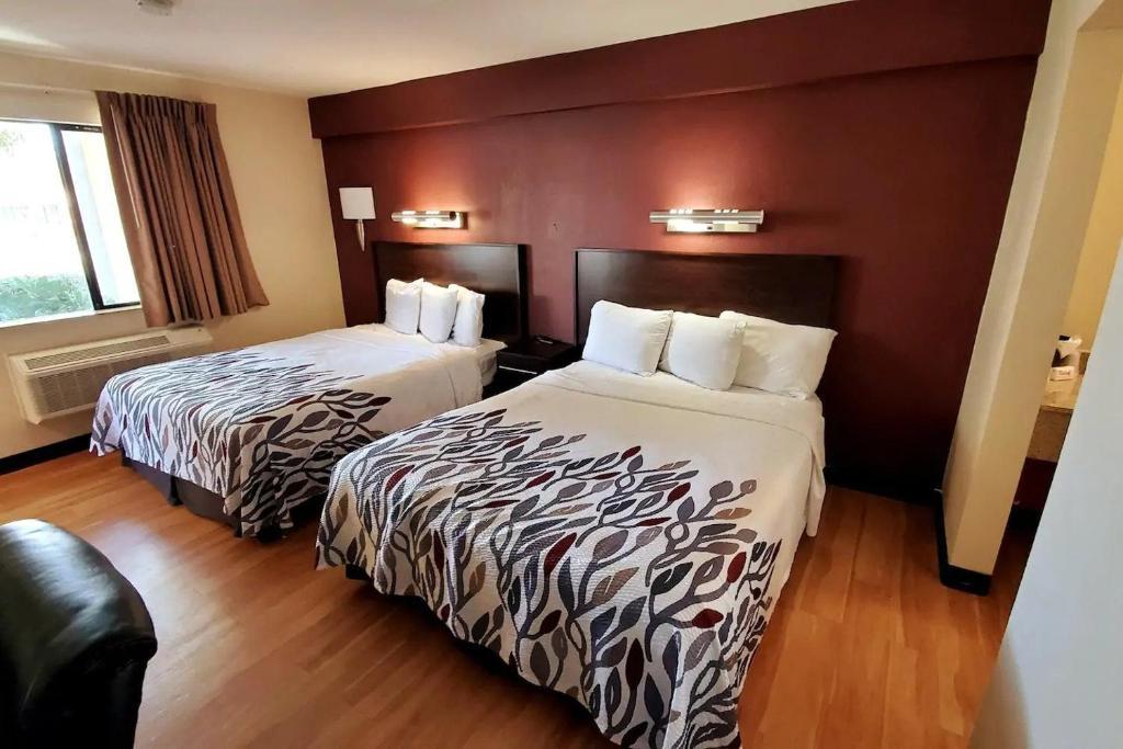 California Inn & Suites Rancho Cordova - Double Beds Room-2