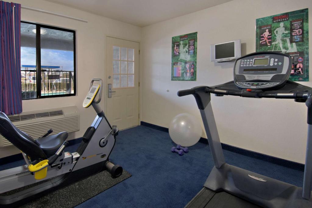 California Inn & Suites Rancho Cordova - Fitness Area