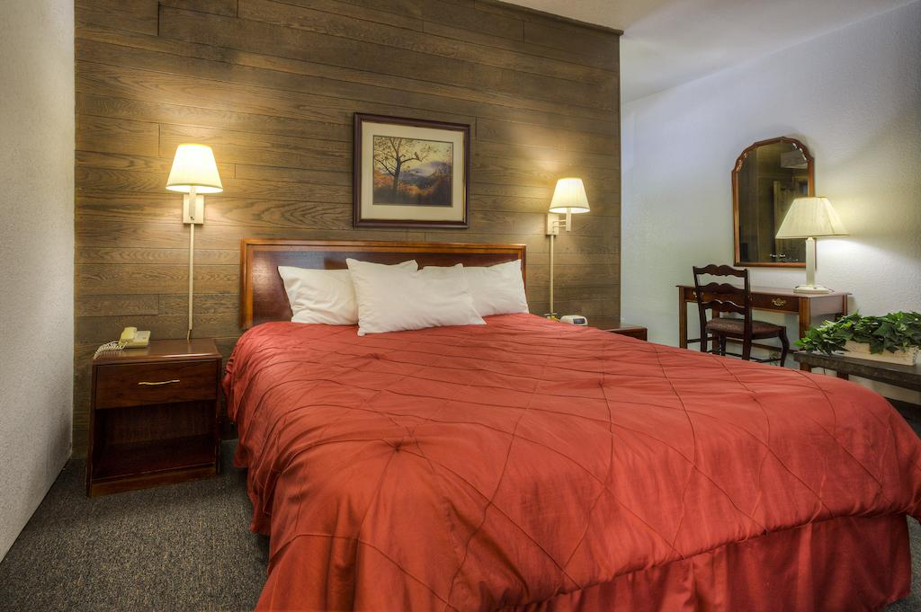 Chalet Inn Gatlinburg - Single Bed-2