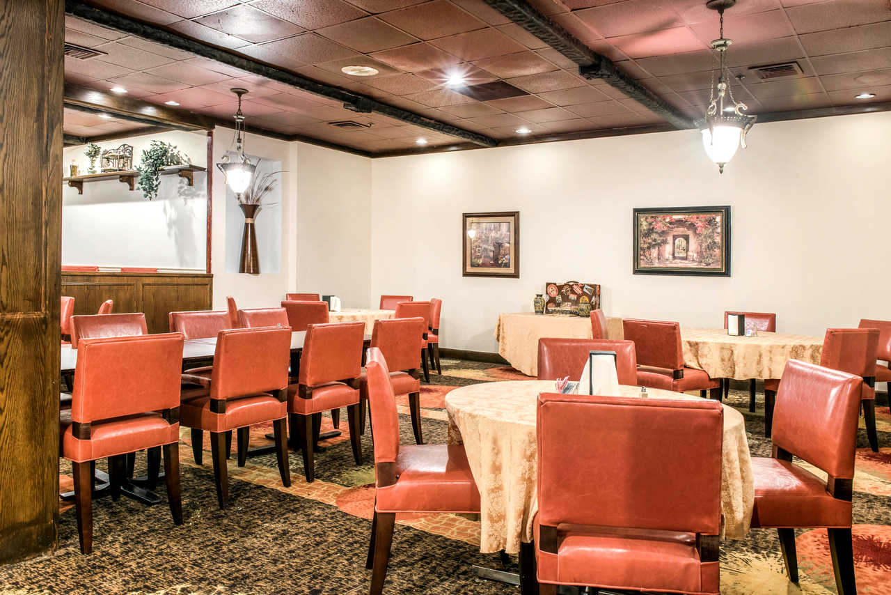 Clarion Hotel Indianapolis Airport - Dining Area-2