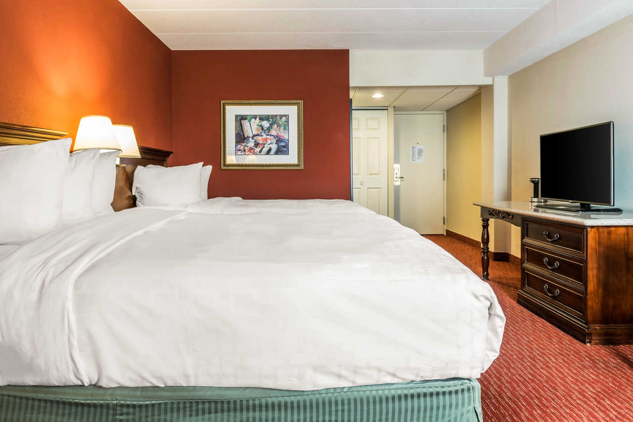 Clarion Hotel Indianapolis Airport - Double Beds-2