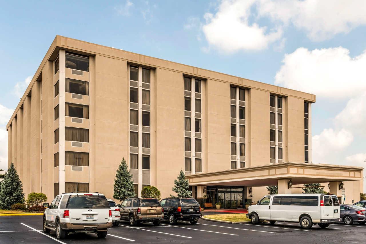 Clarion Hotel Indianapolis Airport - Exterior-1