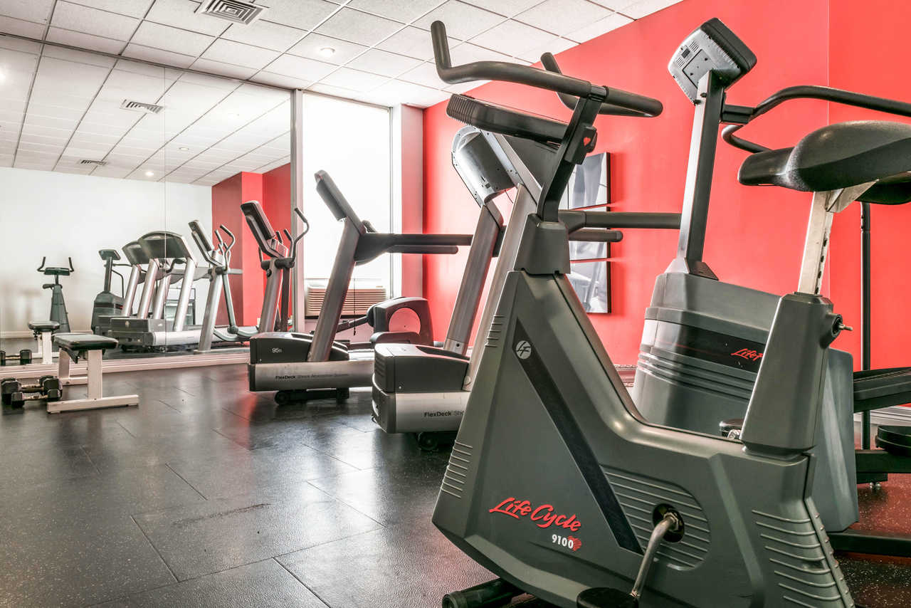 Clarion Hotel Indianapolis Airport - Fitness Facility