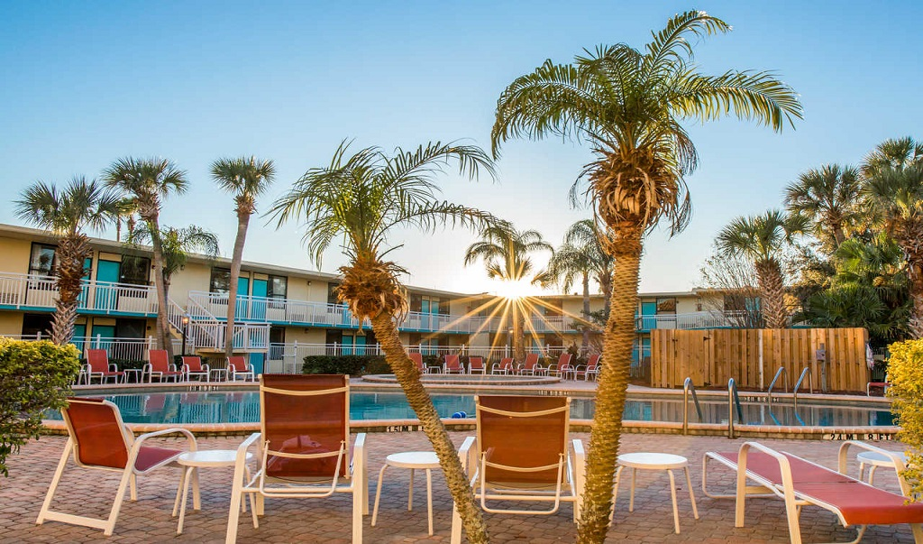 Clarion Hotel Orlando International Airport - Pool Area4
