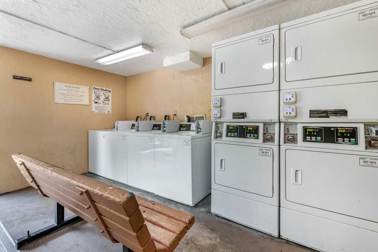 Clarion Inn International Drive - Laundry Area