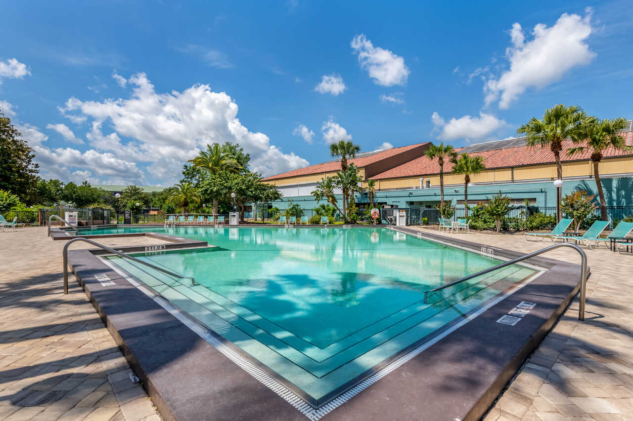 Clarion Inn International Drive - Outdoor Pool-1