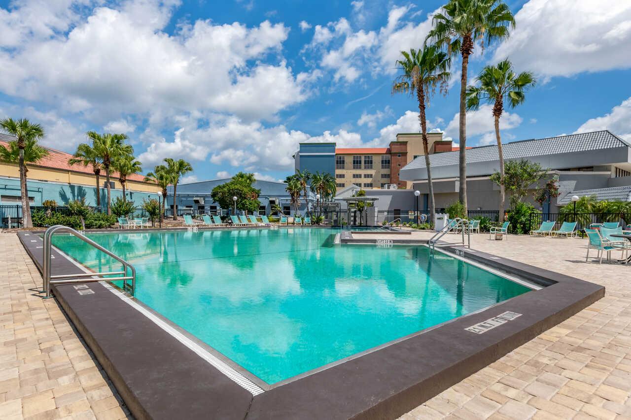 Clarion Inn International Drive - Outdoor Pool-2