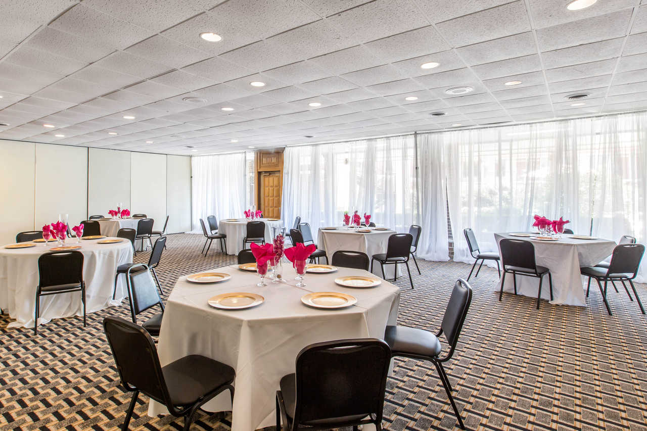 Clarion Inn Santee - Dining Area