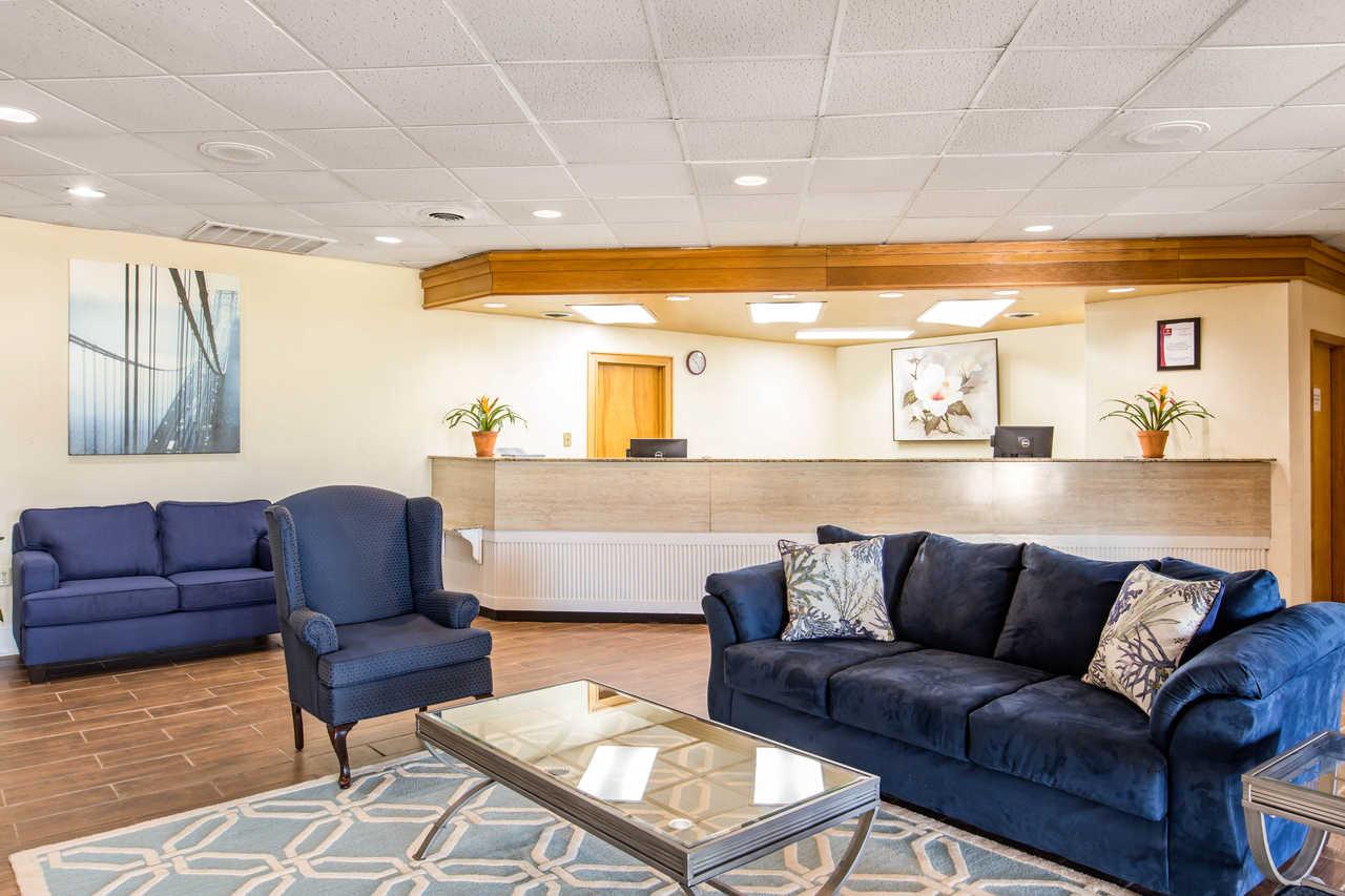 Clarion Inn Santee - Lobby-1