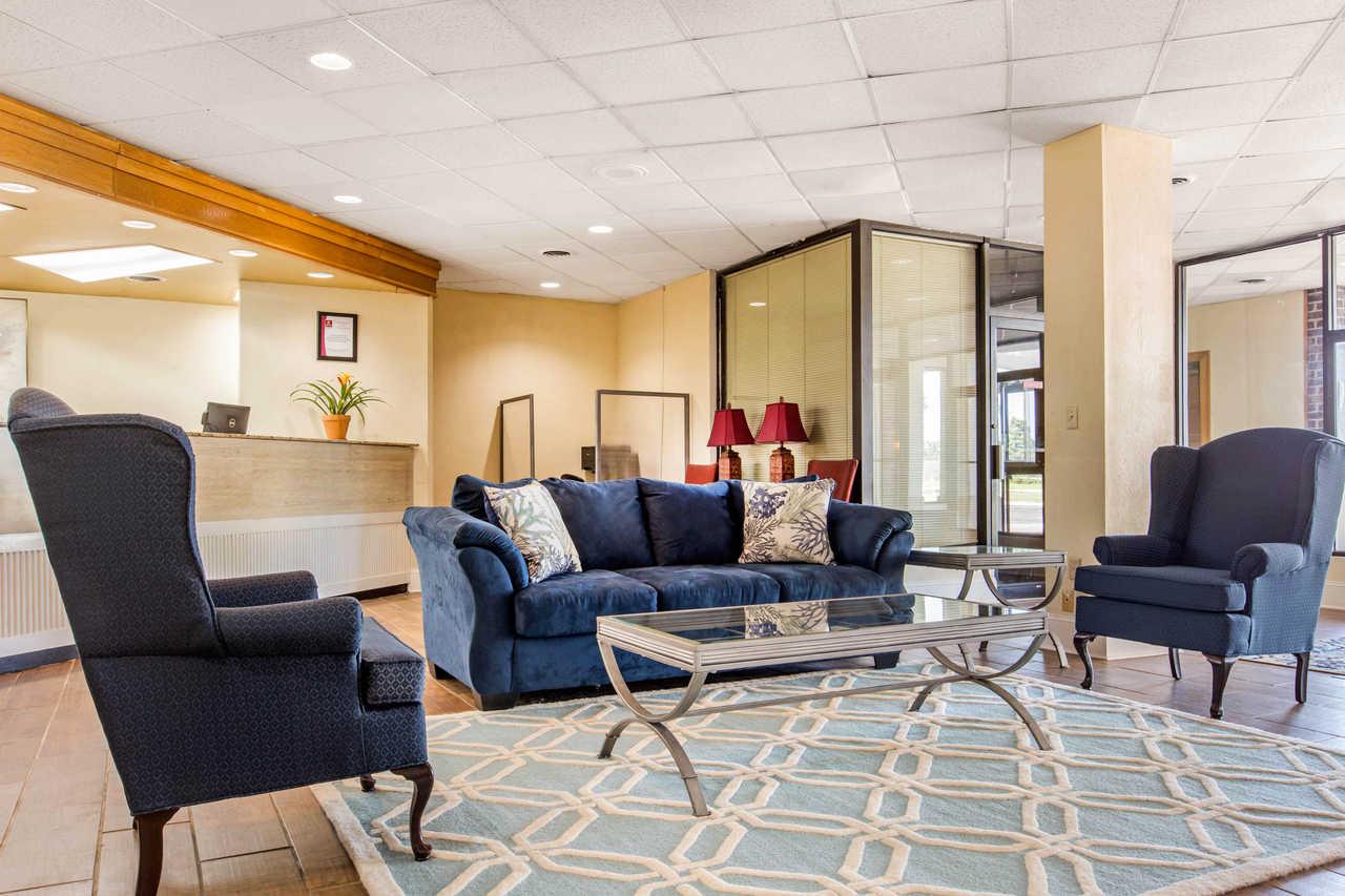 Clarion Inn Santee - Lobby-2