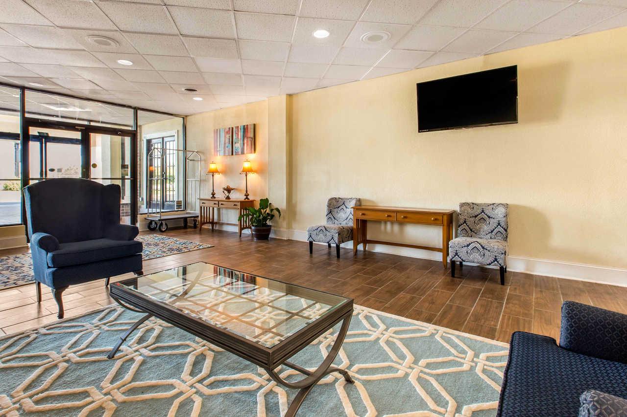 Clarion Inn Santee - Lobby-3