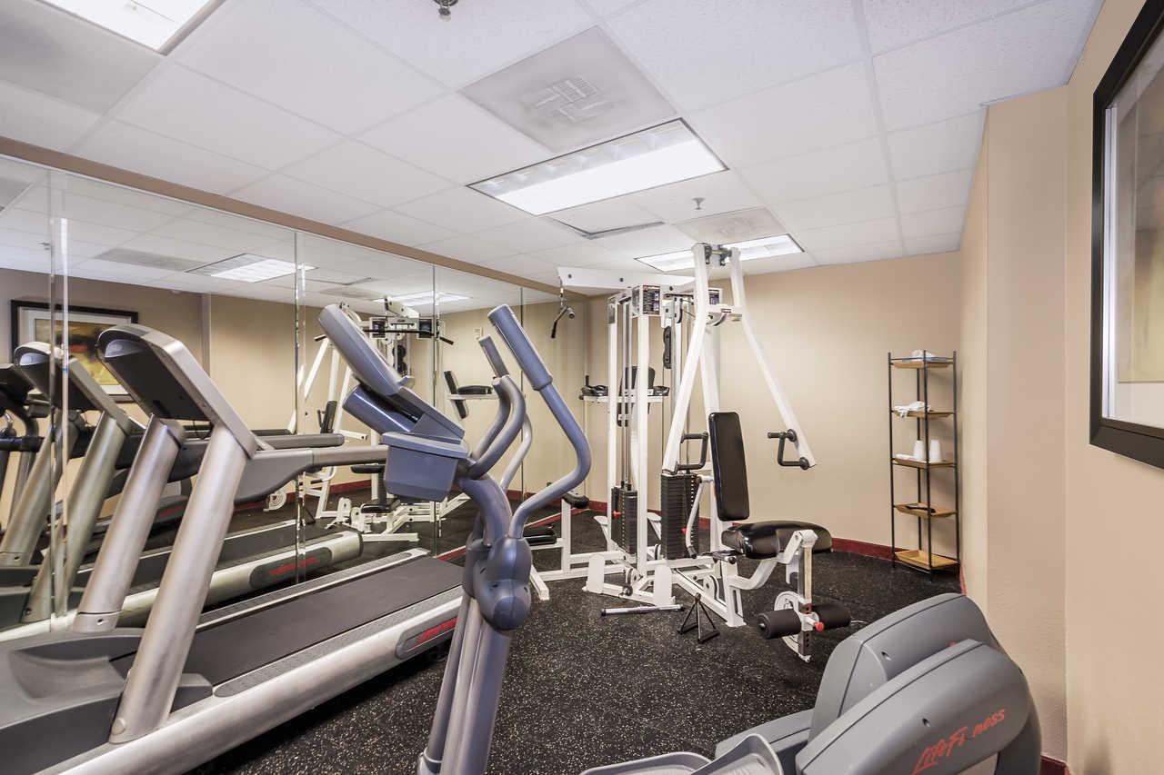 Comfort Inn & Suites Davenport - Fitness Area