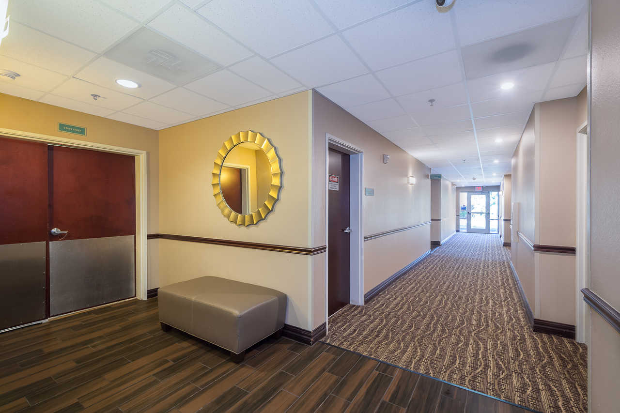 Comfort Inn & Suites Davenport - Room Lobby