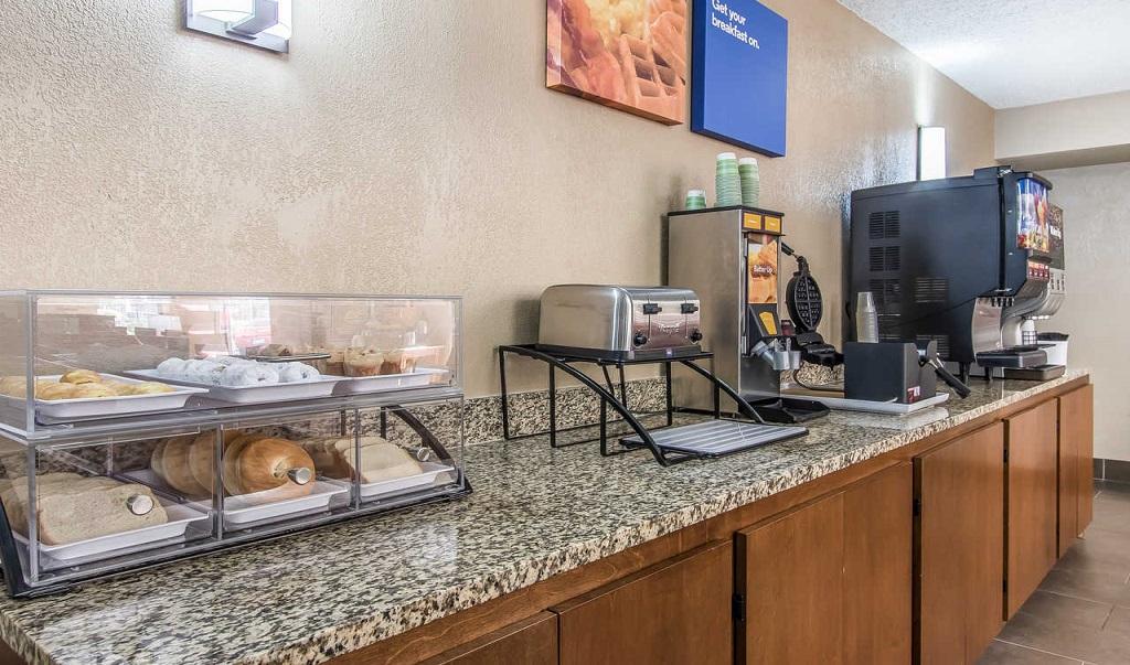 Comfort Inn Jackson - Breakfast Area