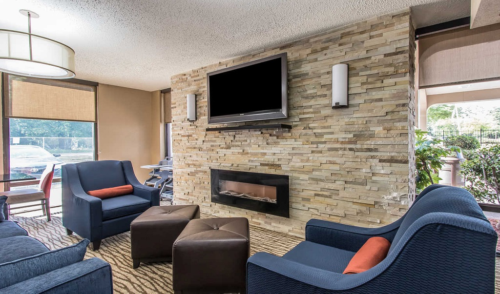 Comfort Inn Jackson - Lobby Area