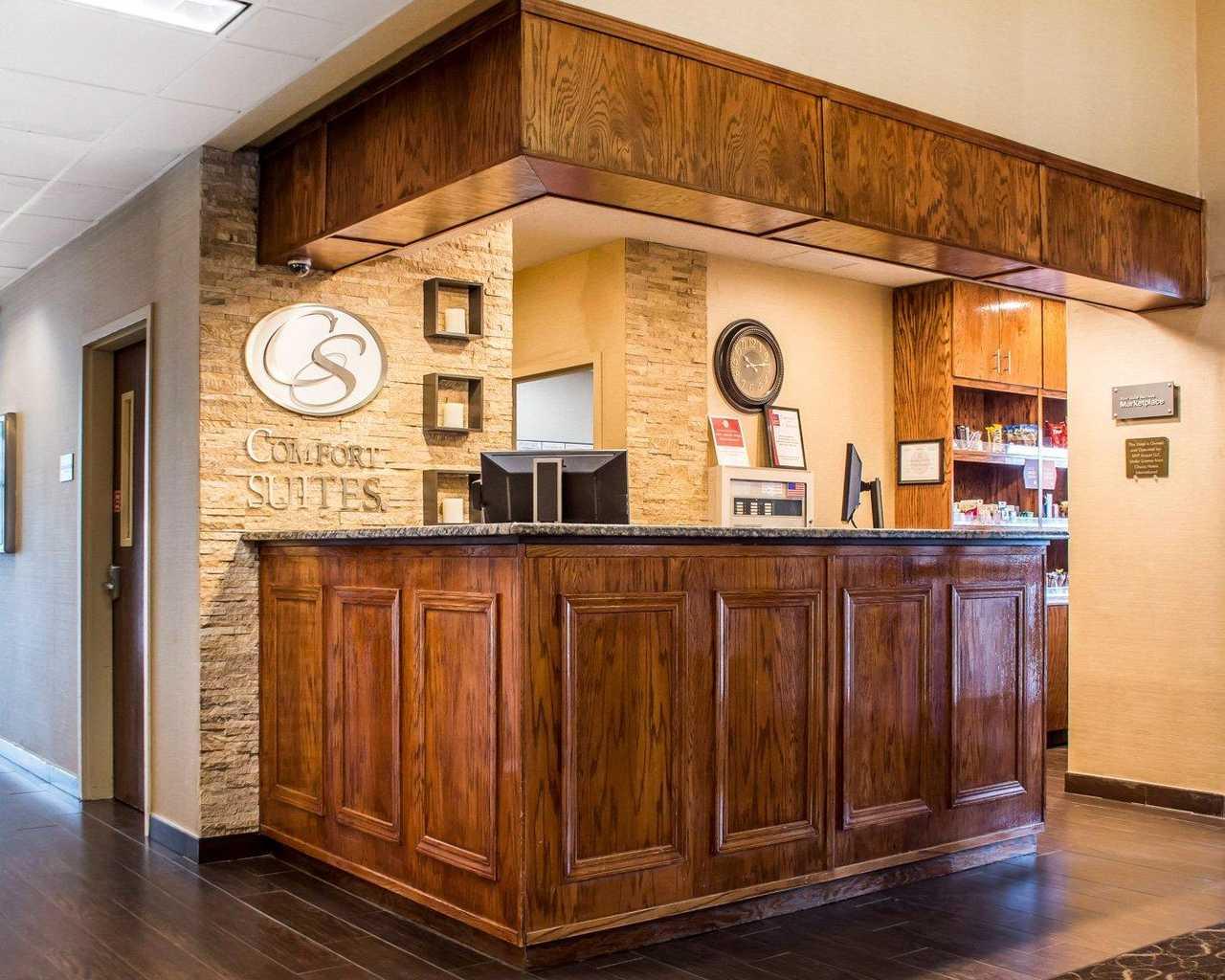Comfort Suites Buffalo Airport New York | Hotel near Buffalo Zoo ...