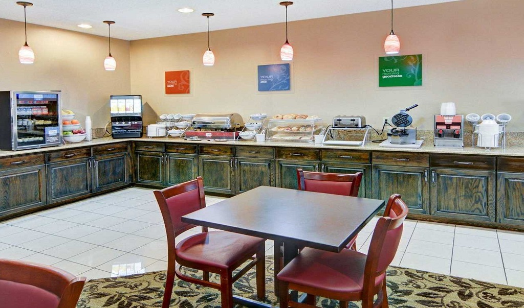 Comfort Suites Longview North - Breakfast Area