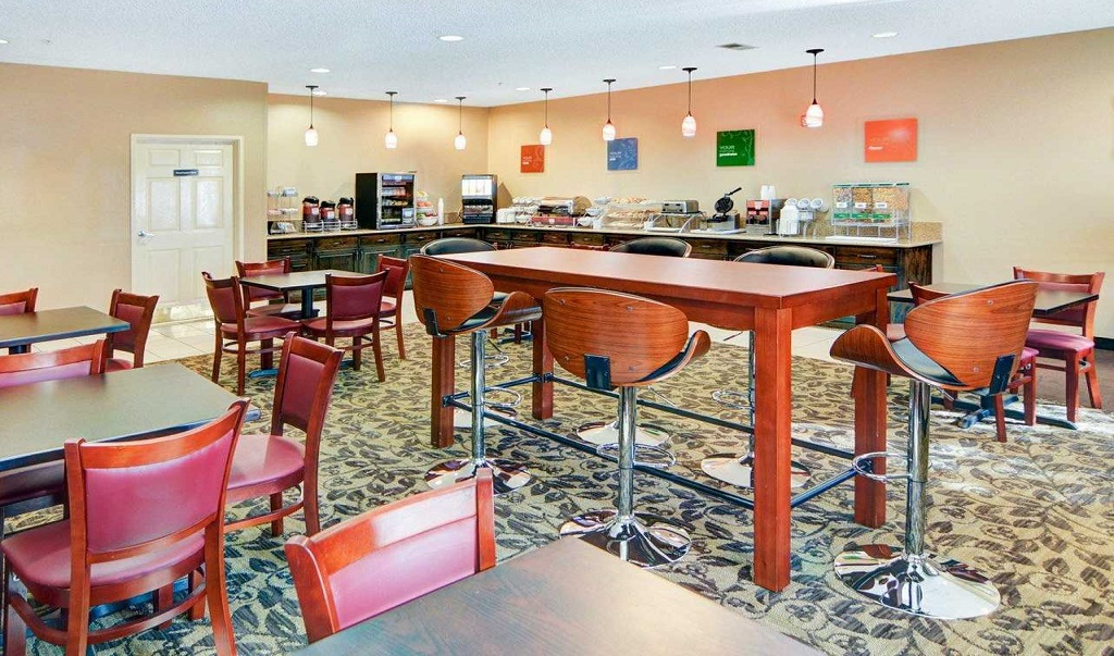 Comfort Suites Longview North - Dining Area