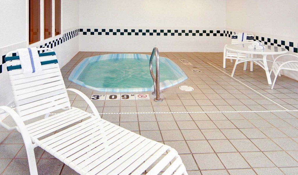 Comfort Suites Longview North - Pool Indoor