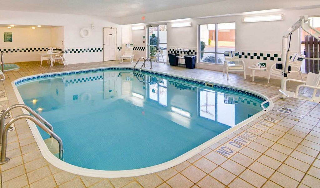 Comfort Suites Longview North - Pool Indoor1