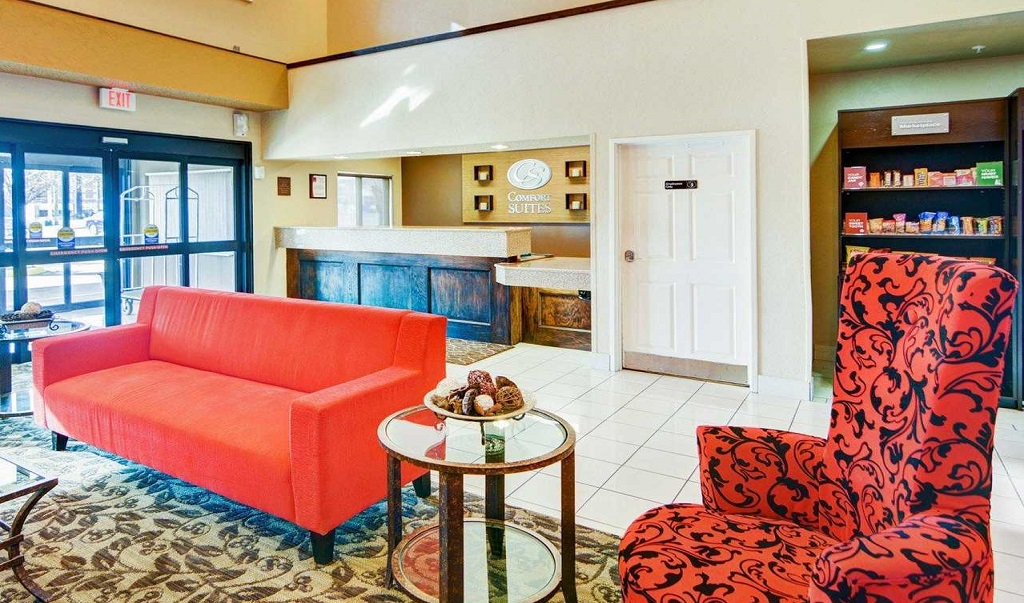 Comfort Suites Longview North - Lobby Area