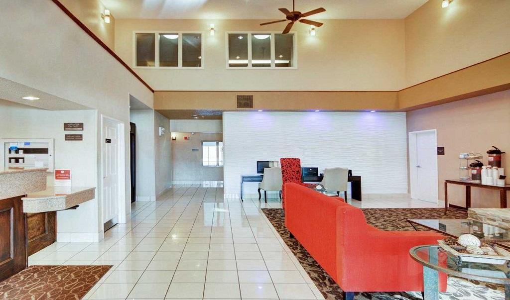 Comfort Suites Longview North - Lobby Area3