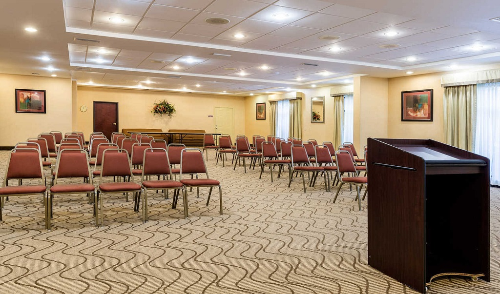 Comfort Suites Near NASA - Meeting Area