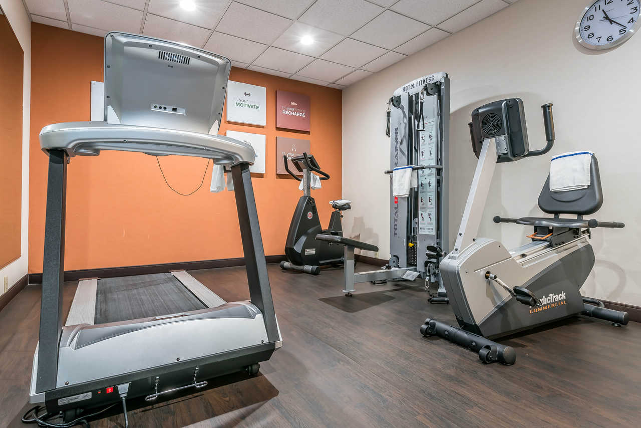 Comfort Suites Springfield - Fitness Area
