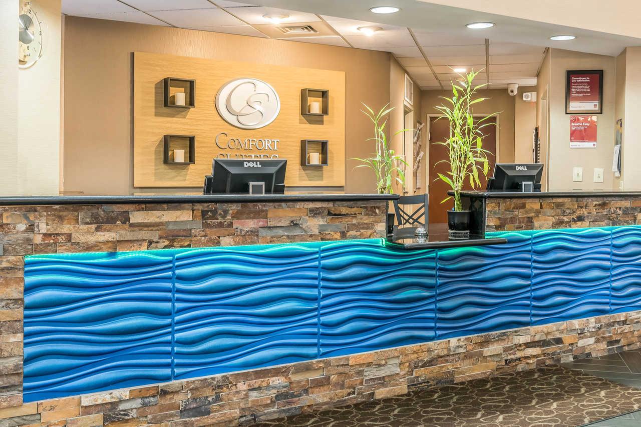 Comfort Suites Springfield - Lobby-1