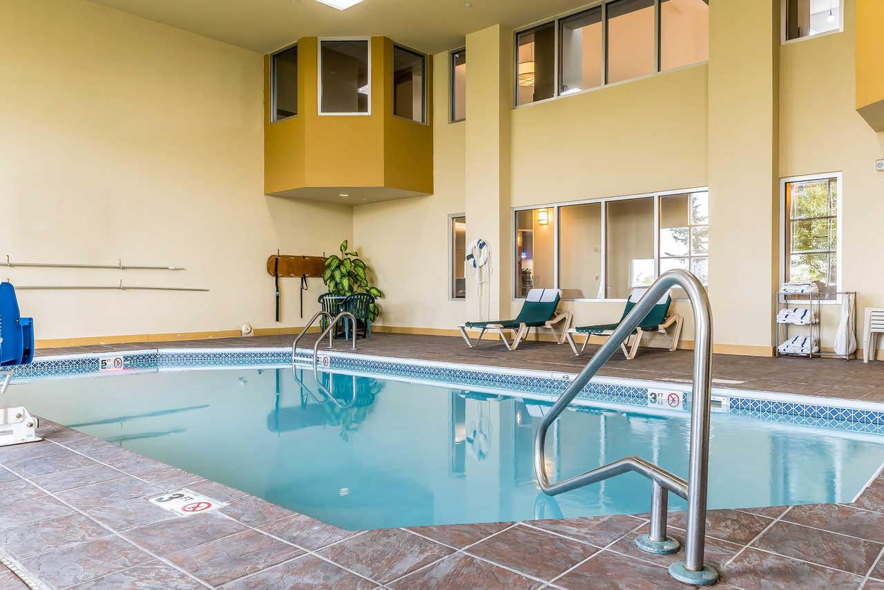 Comfort Suites Springfield - Indoor Pool-1