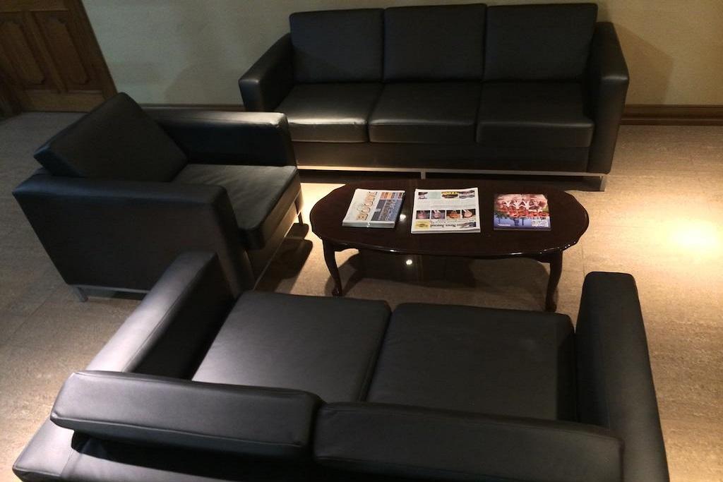 Cotulla Executive Inn - Lobby Area-2