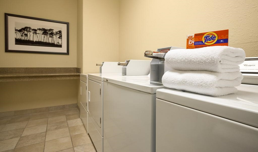 Country Inn and Suites Austin University Texas - Laundry Facilities