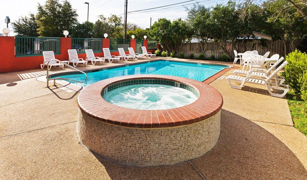Country Inn and Suites Austin University Texas - Outdoor Pool