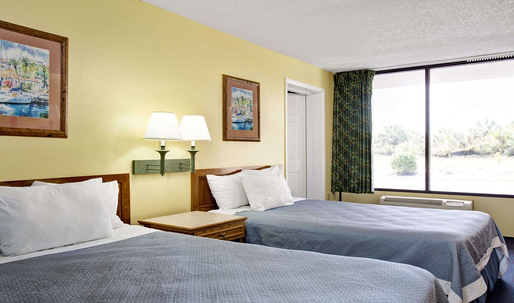 Days Inn And Suites Davenport - Double Beds Room1