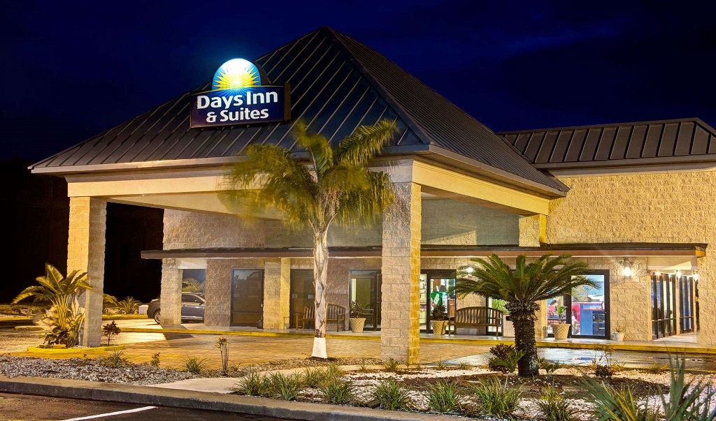 Days Inn And Suites Davenport - Exterior1