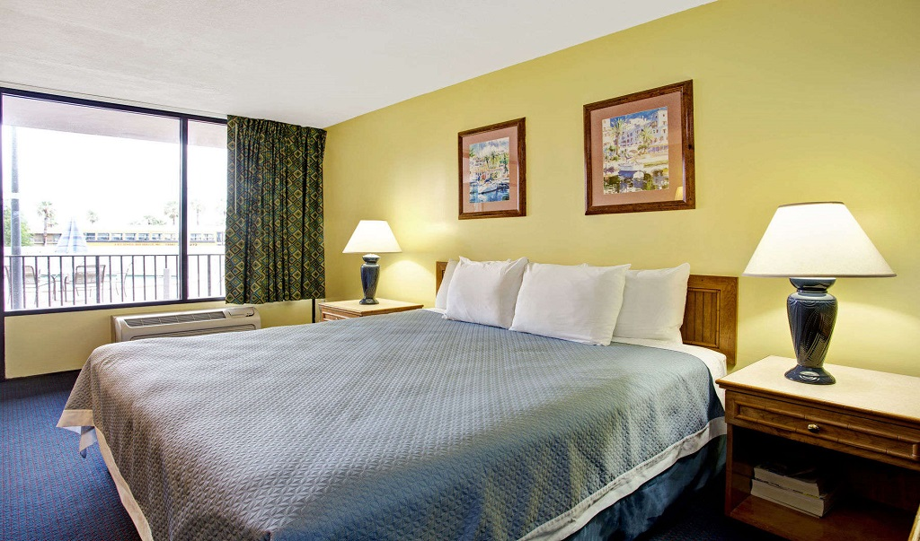 Days Inn And Suites Davenport - Single Bed Room