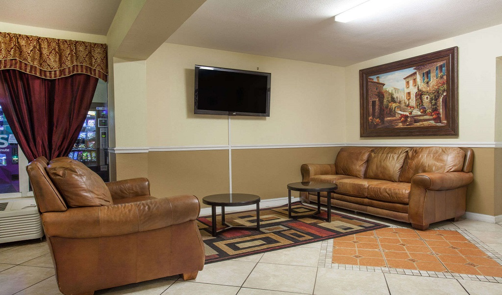 Days Inn Daytona Beach Speedway - Seating Area