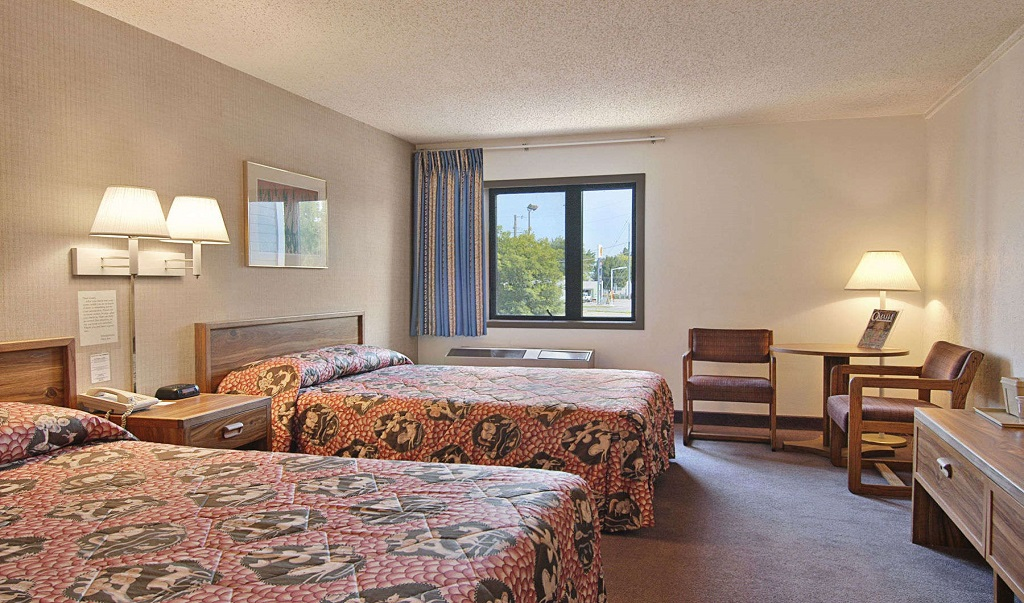 Days Inn Council Bluffs/9th Avenue - Double Beds Room2