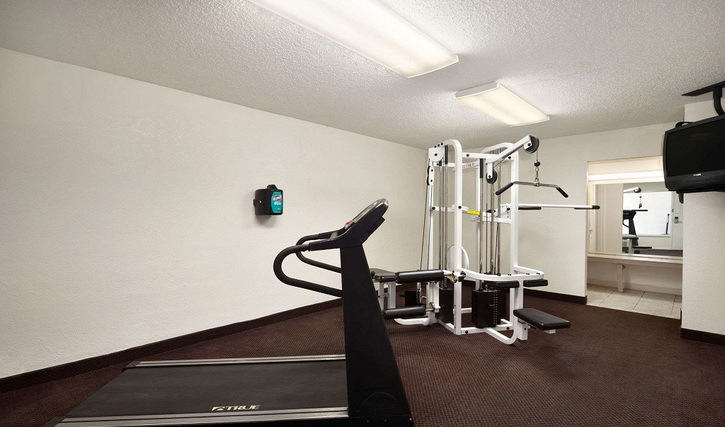 Days Inn St.Petersburg North - Fitness Facility